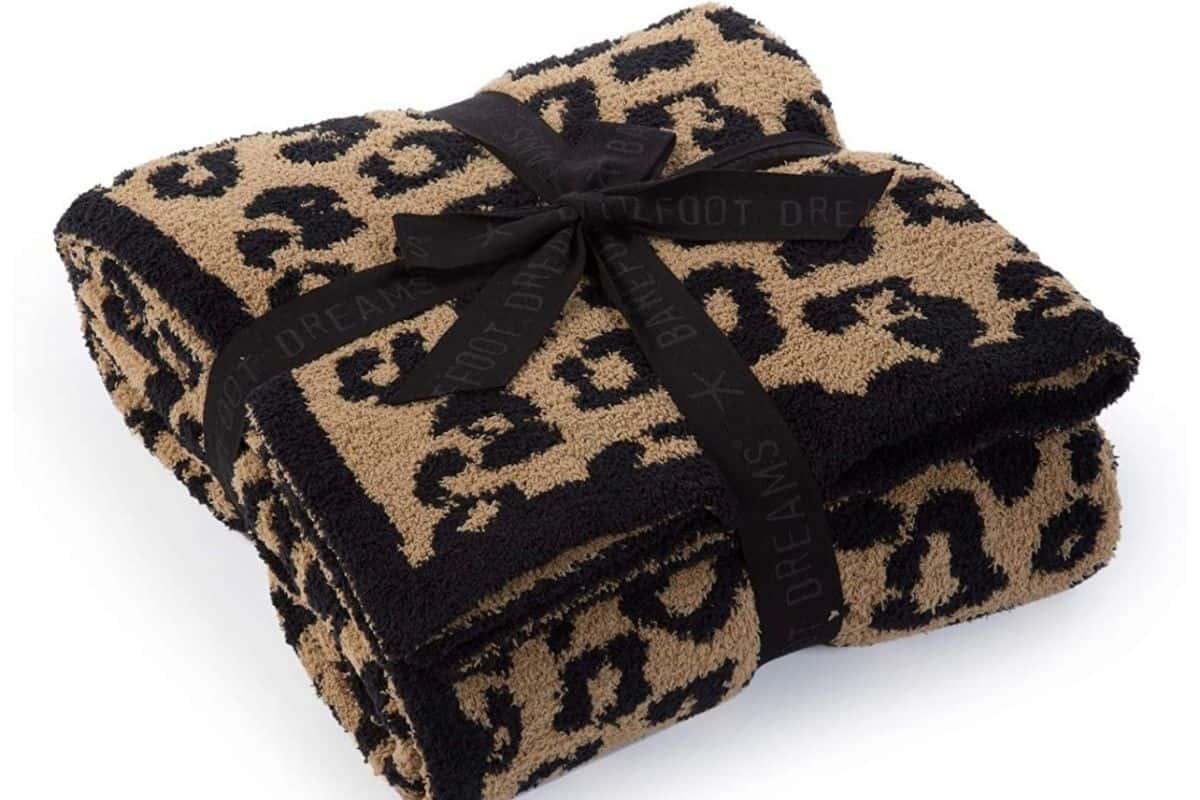 greatest 30th birthday gift ideas leopard blanket luxury gift