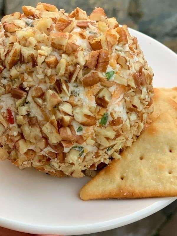 THE ULTIMATE JALAPENO CHEESE BALL RECIPE