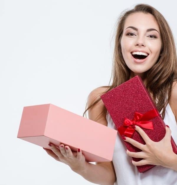 13 BEST AMAZON GIFTS FOR HER UNDER $25