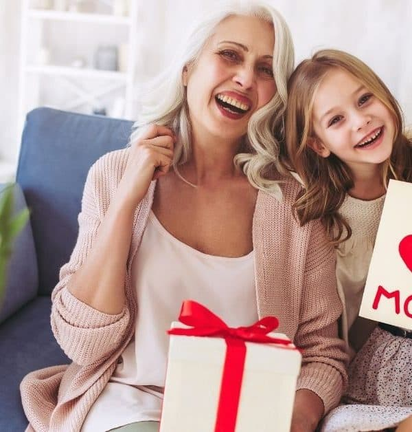 17 BEST GIFTS FOR MOM