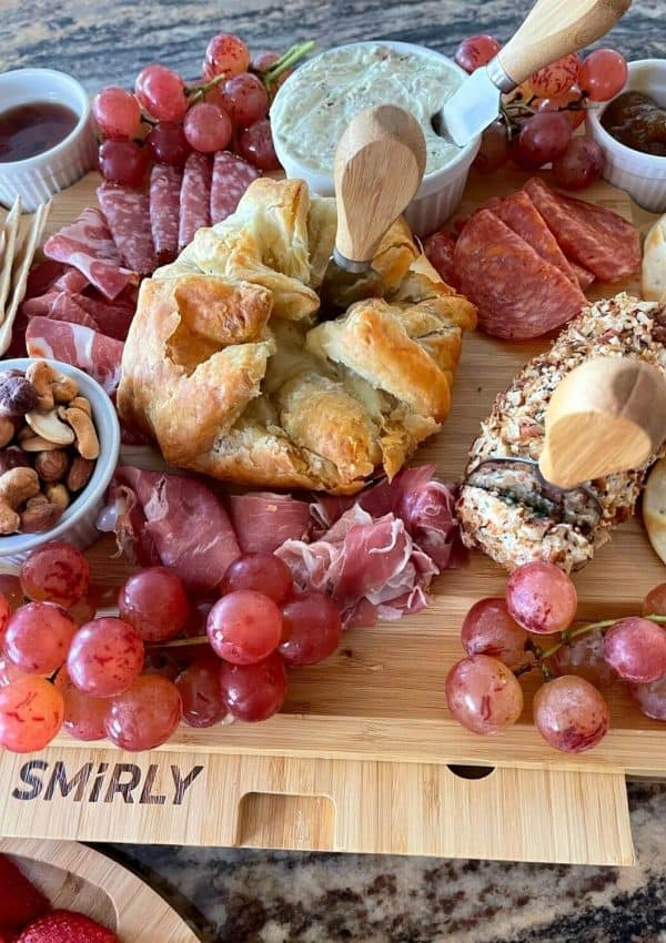 How To Make A Charcuterie Board They'll Obsess Over